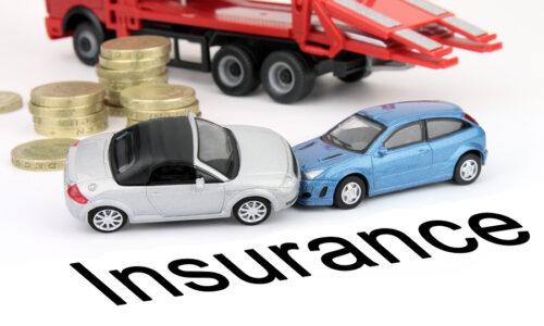 Ποια είναι η διαφορά μεταξύ πληρωμής μηνιαίας ή ετήσιας ασφάλισης αυτοκινήτου;